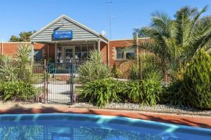 COMFORT INN COACH AND BUSHMANS - Accommodation in Surfers Paradise