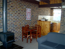 Warrawee Holiday Units - Accommodation in Surfers Paradise
