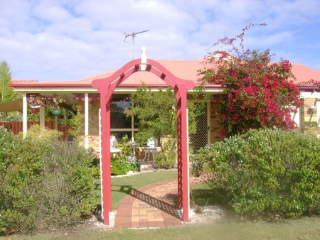 Angels Beach Lodge - Accommodation in Surfers Paradise