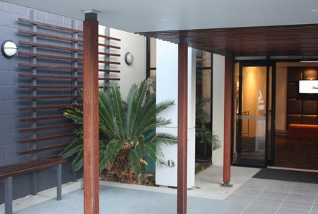 Quality Hotel Airport International - Accommodation in Surfers Paradise