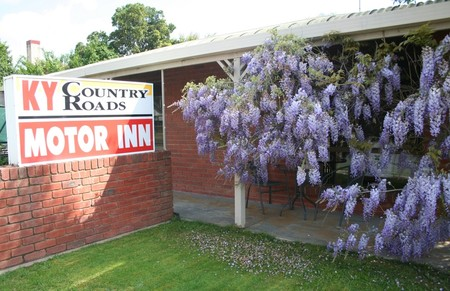 KY COUNTRY ROADS MOTOR INN - Accommodation in Surfers Paradise