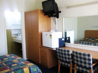 Sandbelt Club Hotel - Accommodation in Surfers Paradise