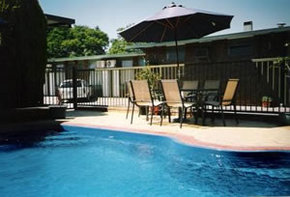 Sun Centre Motel - Accommodation in Surfers Paradise