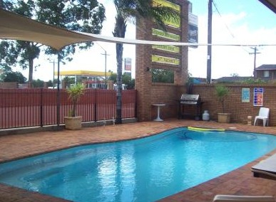 Town And Country Motor Inn Cobar - Accommodation in Surfers Paradise