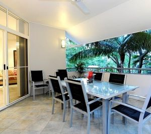 Oasis At Palm Cove - Accommodation in Surfers Paradise