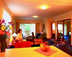 Oxley Court Serviced Apartments - Accommodation in Surfers Paradise