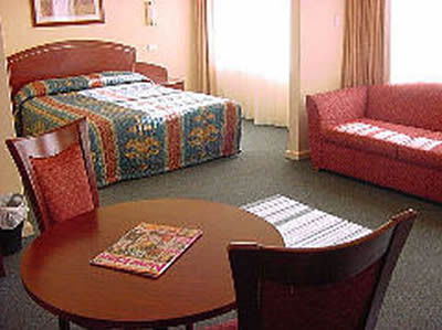 Embassy Motel - Accommodation in Surfers Paradise