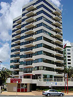 Beachfront Towers - Accommodation in Surfers Paradise
