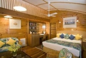 Kims Beach Hideaway - Accommodation in Surfers Paradise