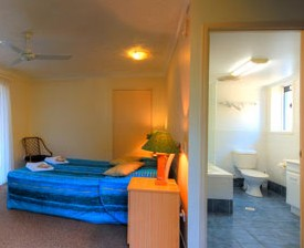 Blue Waters Motel - Accommodation in Surfers Paradise