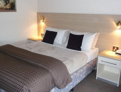 Hamiltons Townhouse Motel - Accommodation in Surfers Paradise