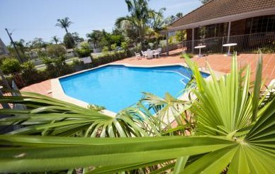 Island Palms Motor Inn - Accommodation in Surfers Paradise