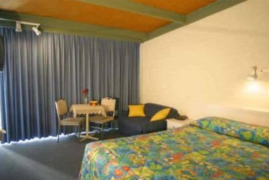 Kingfisher Motel - Accommodation in Surfers Paradise