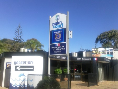 Palm Court Motor Inn - Accommodation in Surfers Paradise