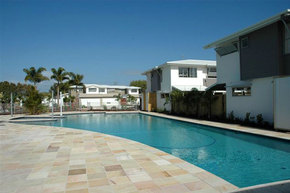 Coolum Villas - Accommodation in Surfers Paradise