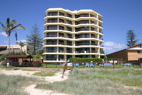 Spindrift On The Beach - Accommodation in Surfers Paradise