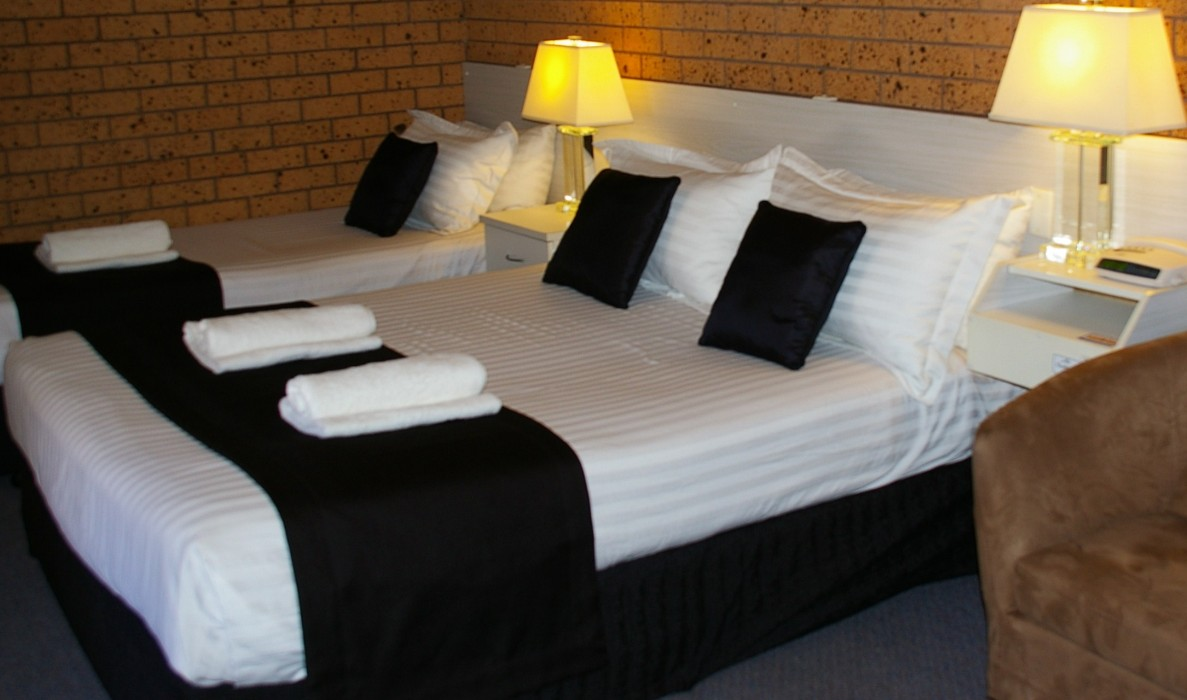 Golden Harvest Motor Inn - Accommodation in Surfers Paradise