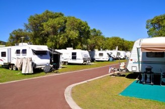 Emu Beach Holiday Park - Accommodation in Surfers Paradise