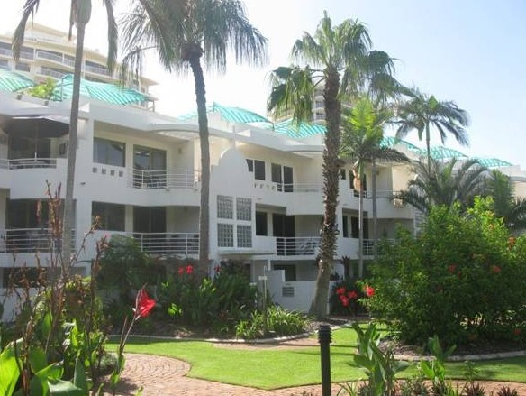 Camargue Beachfront Apartments - Accommodation in Surfers Paradise