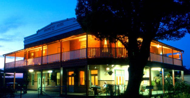 Abernethy Guesthouse - Accommodation in Surfers Paradise