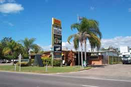 Queens Beach Motor Hotel - Accommodation in Surfers Paradise