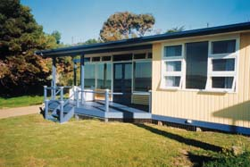 Eskavy Beach House - Accommodation in Surfers Paradise