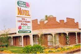 Top Of The Town Motel - Accommodation in Surfers Paradise