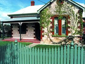 Naracoorte Cottages - Smith Street Villa - Accommodation in Surfers Paradise