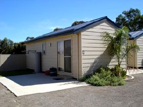 Moonta Bay Cabins - Accommodation in Surfers Paradise
