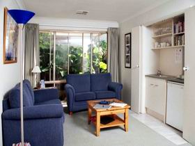 Bellevue Bed  Breakfast - Accommodation in Surfers Paradise