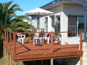 Beachport Escape - Accommodation in Surfers Paradise