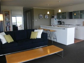 Coorong Waterfront Retreat - Accommodation in Surfers Paradise