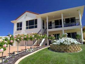 Scenic Encounter Bed and Breakfast - Accommodation in Surfers Paradise
