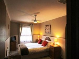 Southern Vales Bed And Breakfast - Accommodation in Surfers Paradise