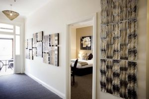 Balcony On Sixth Lodge - Accommodation in Surfers Paradise