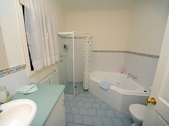 St Helens - Fettlers Cottage - Accommodation in Surfers Paradise