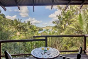 Secrets on the Lake - Accommodation in Surfers Paradise