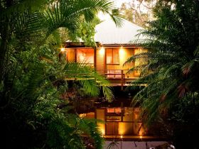 Hunchy Hideaway - Accommodation in Surfers Paradise