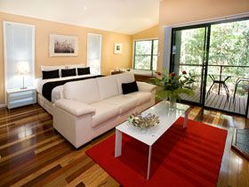 Amore On Buderim - Accommodation in Surfers Paradise