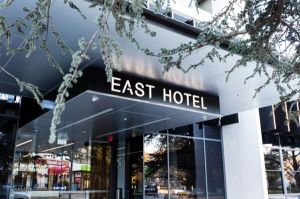 East Hotel - Accommodation in Surfers Paradise