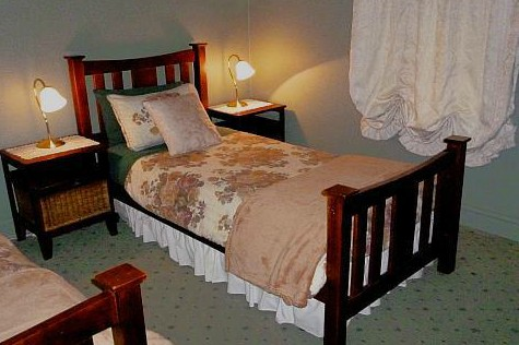 Ripon Cottage - Accommodation in Surfers Paradise
