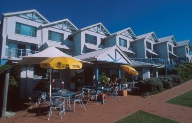 Breakers Apartments Mollymook - Accommodation in Surfers Paradise