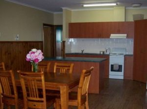 Riverland Holiday Cottage - Accommodation in Surfers Paradise
