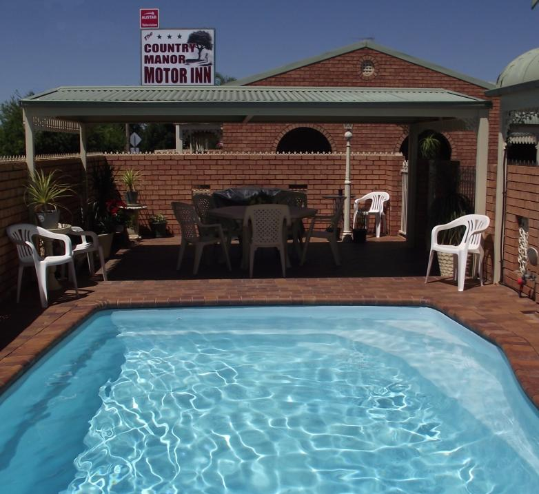 Country Manor Motor Inn - Accommodation in Surfers Paradise