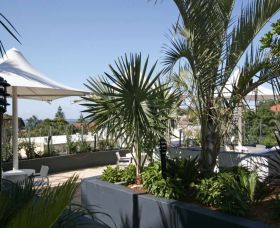 Cote D Azur - Accommodation in Surfers Paradise