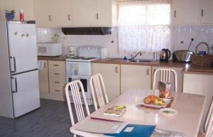 Azalea Cottage - Accommodation in Surfers Paradise
