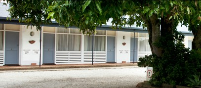 Pacific Motel - Accommodation in Surfers Paradise