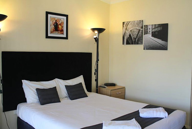 Taree Highway Motor Inn - Accommodation in Surfers Paradise