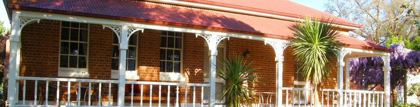 Araluen Old Courthouse Bed and Breakfast - Accommodation in Surfers Paradise