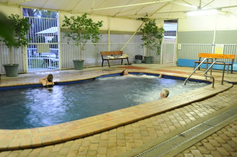 Artesian Spa Motel - Accommodation in Surfers Paradise
